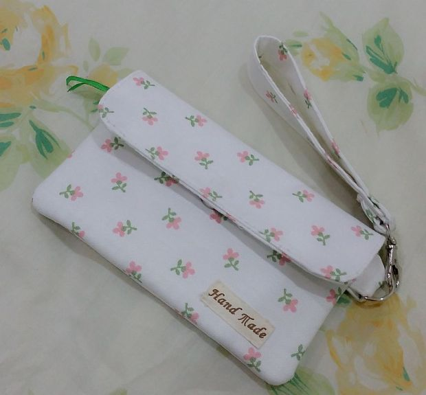 flower patterned pouch